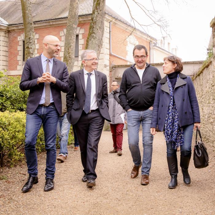 De gauche à droite : Mohamed Moulay, vice-président délégué aux Sports ; François Bonneau, président ; Didier Sallé, directeur de Jazz à Tours et Sylvie Frédon, directrice adjointe de Cabinet